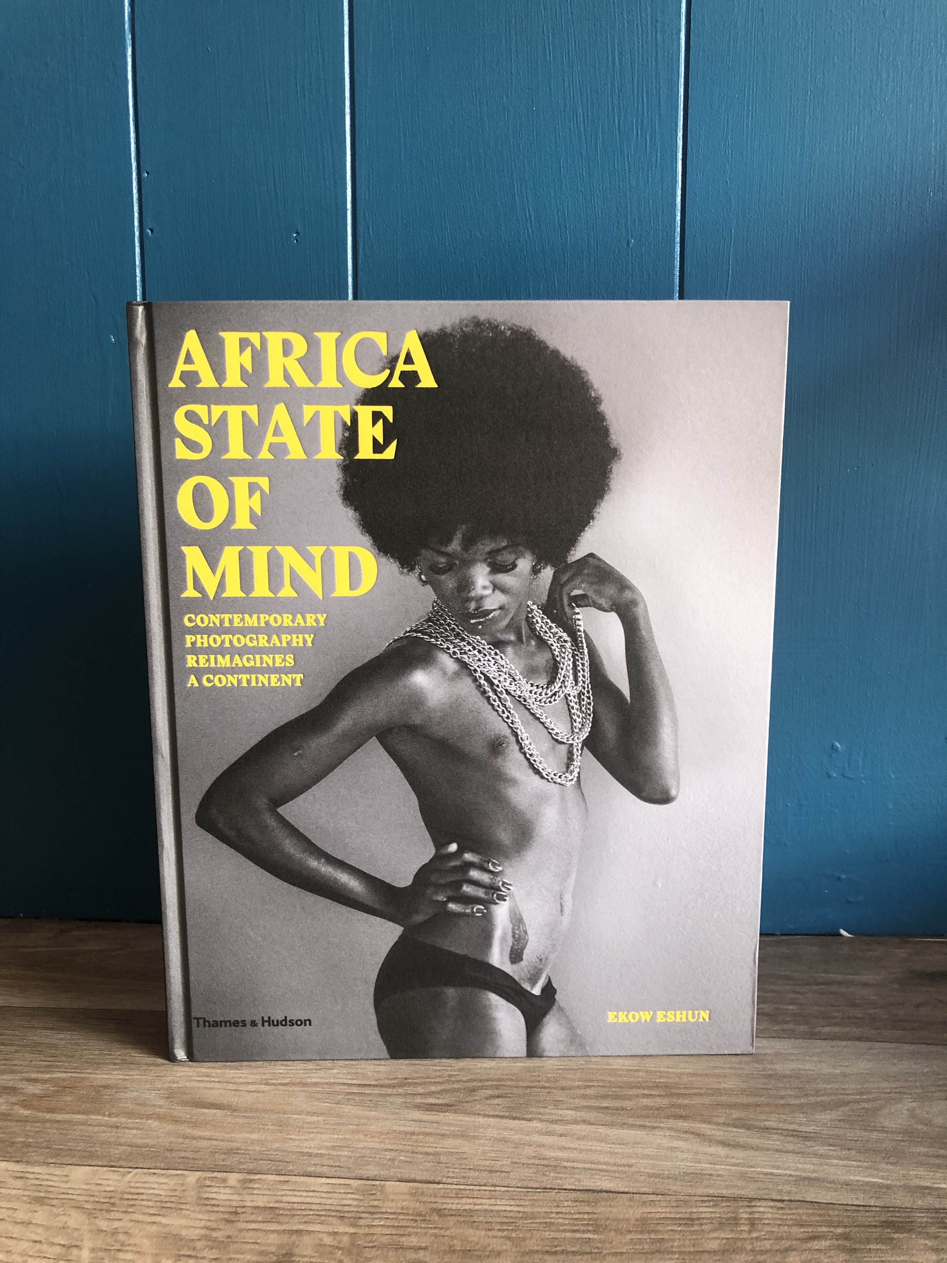 front cover of the book Africa State of mind on a blue background